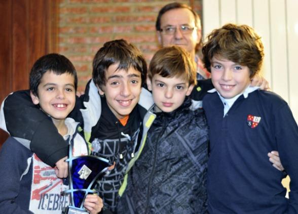 San Prudencio: Campeón del Memorial. Entrega el trofeo Ovidio Fernandez